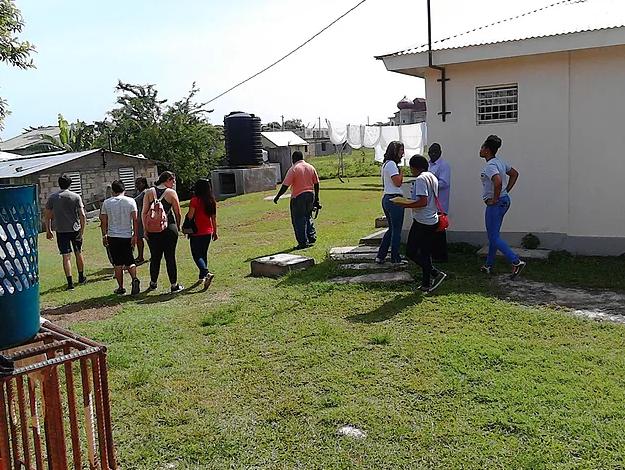Sandals visits Savanna-La-Mar WCJF site