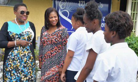 Minister Grange and Lady Allen visit Women's Centre